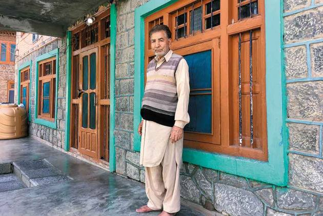 23 Years After He Saw Wife, Son Been Shot Dead, Kashmir Man Still Begging For Justice