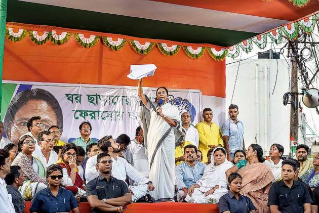 Jai Shri Ram vs Joy Bangla: Desperate Mamata Banerjee Feels Saffron Heat