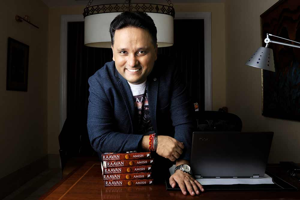 Those In The Centre Of The National Debate Must Speak Out: Amish Tripathi