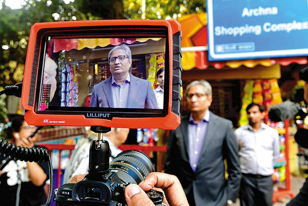 24 Hours In Life Of Ravish Kumar: Handling Threats And Hugs With Elan, Bob Dylan Is The Music Of His Life