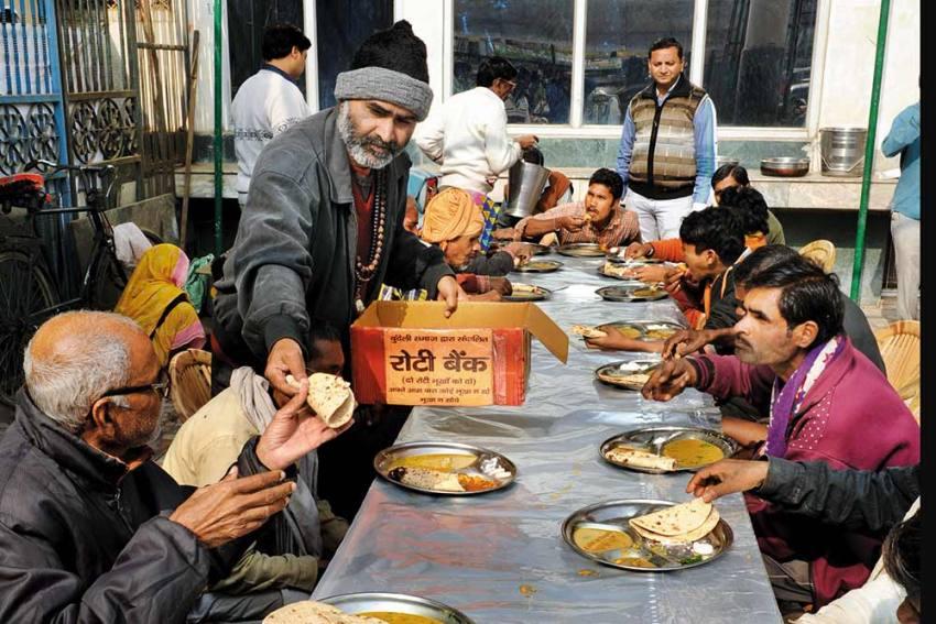 Nutrition Warriors | Ex-Journalist, Osho-Lookalike Tara Patkar Is Mahoba's Roti Bank