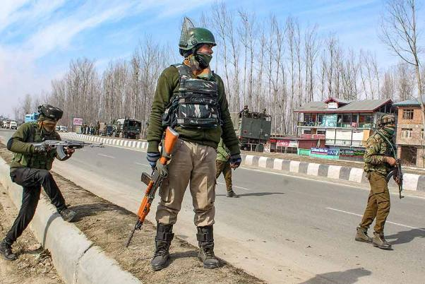 On Martyrs' Day, Roads Leading To Graveyard Sealed In Kashmir