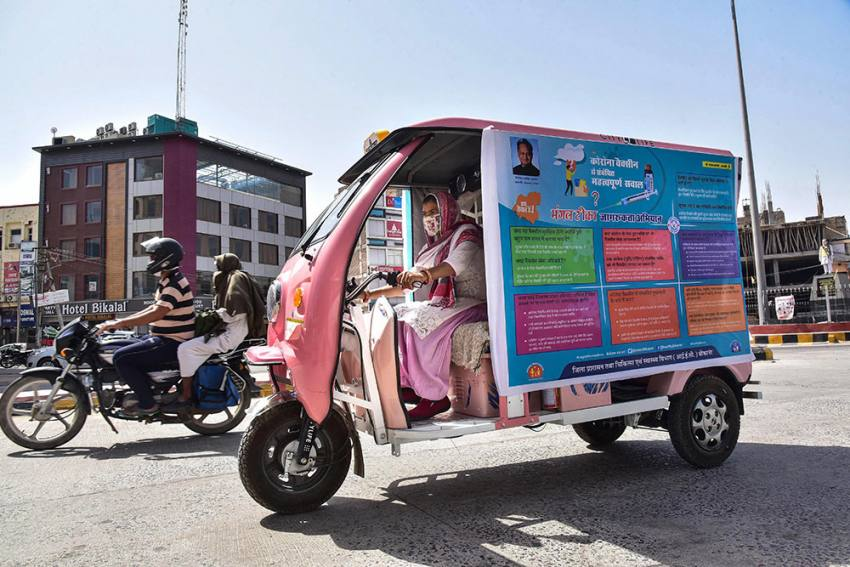No Woman's Land: Female Cab Drivers On Indian Roads