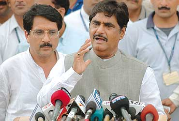 'The BJP Is Not Distancing Itself From The Mahajan Family'