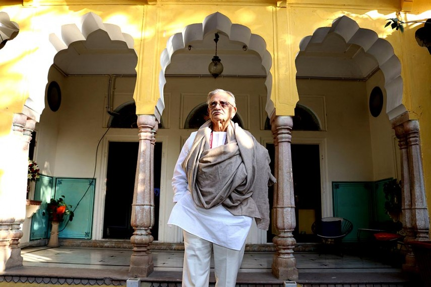 Imperative for Young Writers to 'Self-Evaluate, Self-Edit', Says Gulzar