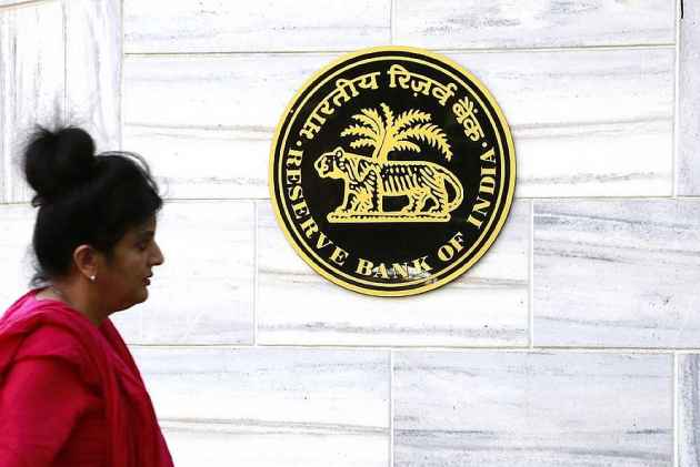 RBI Cuts Key Rate by 0.25%, to Lower Home, Auto EMIs