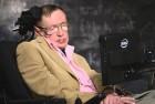 Stephen Hawking Warns Against Contacting Aliens