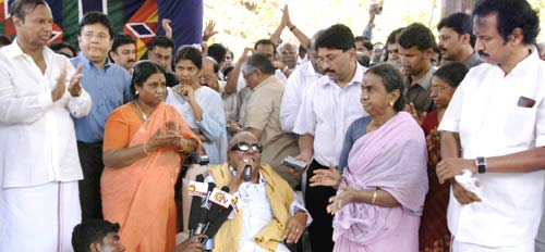 Lankan Crisis: Karunanidhi Calls Off Fast
