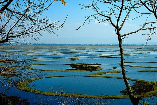 essay on loktak lake of manipur