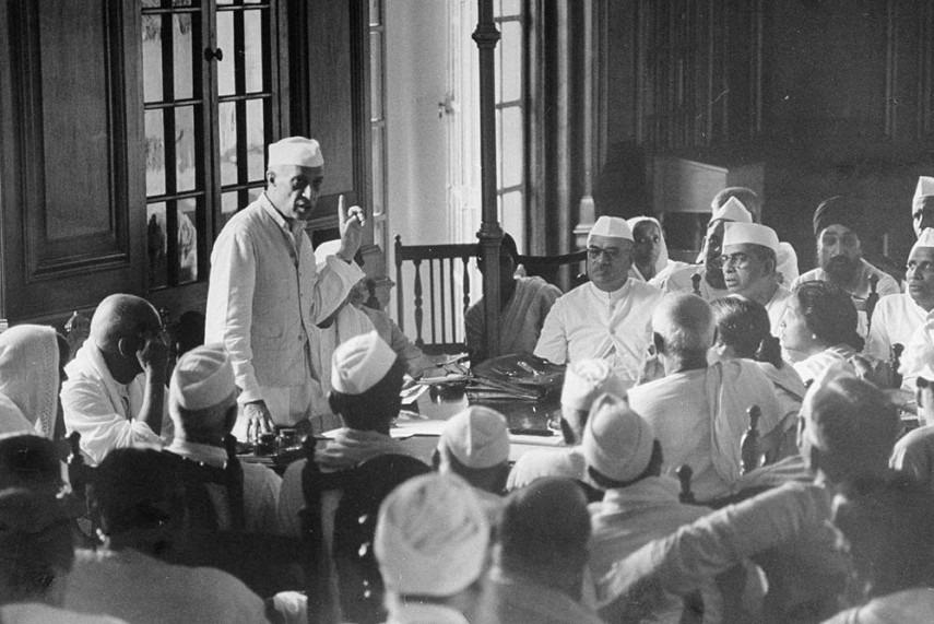 PM Modi Pays Tributes to Jawaharlal Nehru on His 53rd Death Anniversary
