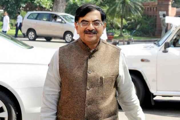 BJP Leader Tarun Vijay Hits Out At Kerala CM, Says Malyalaees 'Most Unsafe