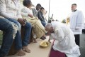Pope Washes the Feet of Muslim Migrants in Easter Ritual