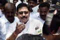 Police Pays Midnight Visit to Dhinakaran Over Delhi Bribery Charges