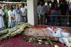 Throng of Admirers Bid Adieu to Zohra Sehgal at Cremation